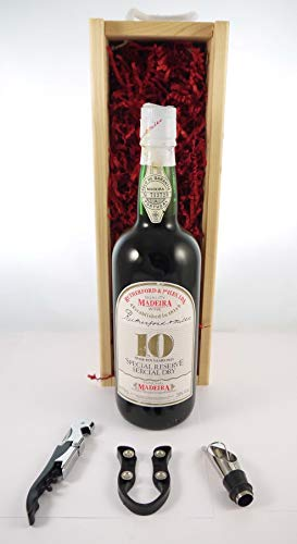 Rutherford & Miles Over 10 Years Old Special Reserve Sercial Dry in einer Geschenkbox, da zu 3 Weinaccessoires, 1 x 700ml von Rutherford & Miles